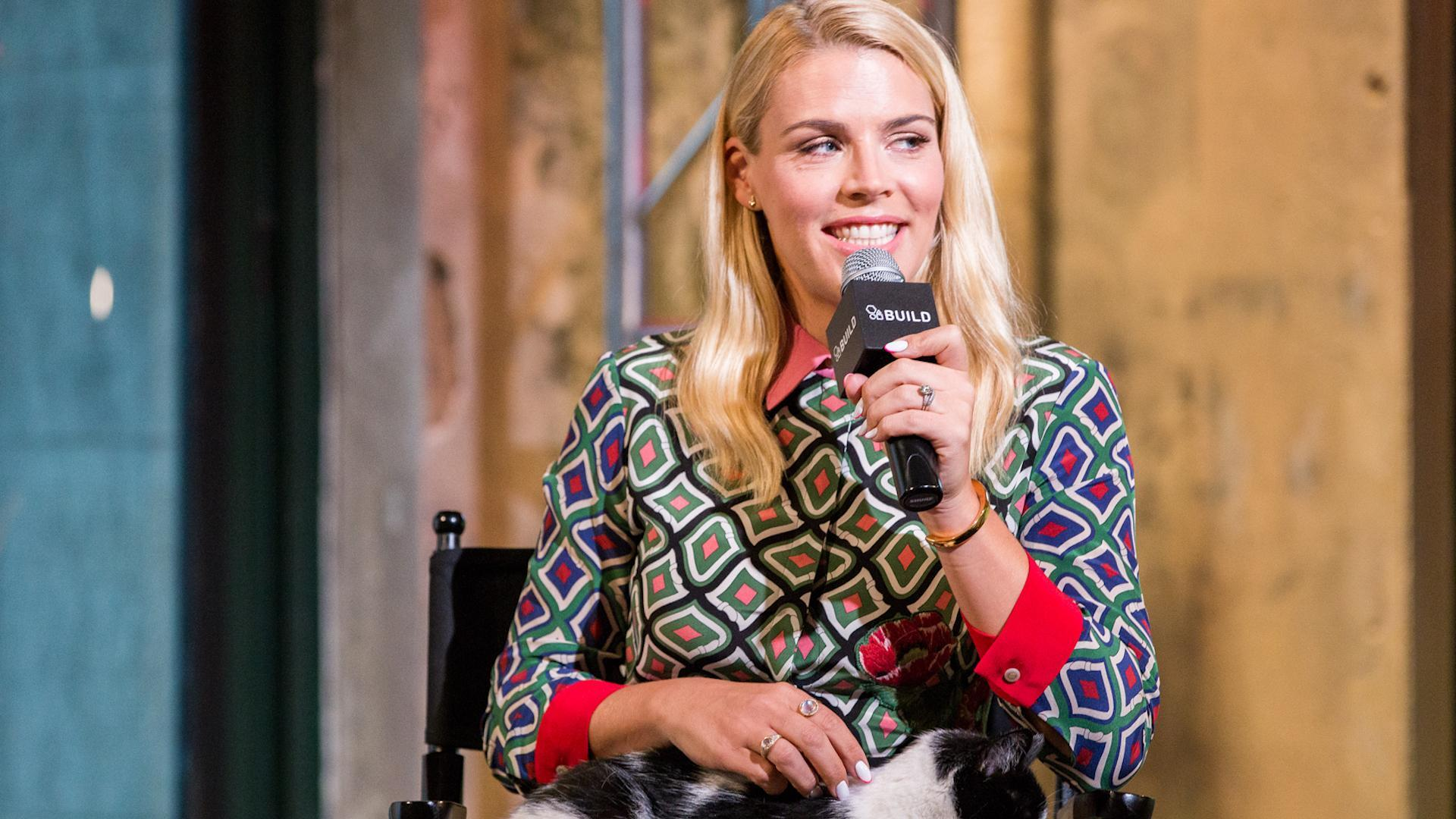 busy philipps reveals which famous role she gets recognized for 39 three times a week 39 aol. Black Bedroom Furniture Sets. Home Design Ideas