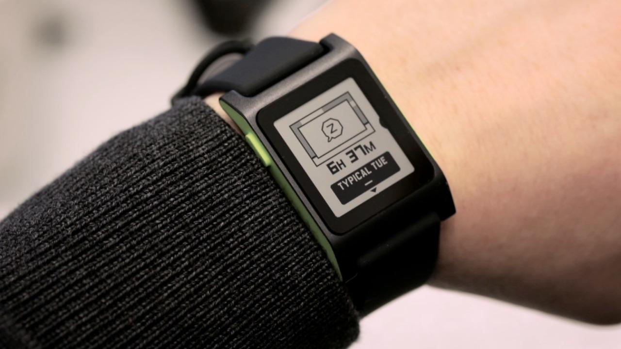 Pebble 2 smartwatch keeps it simple