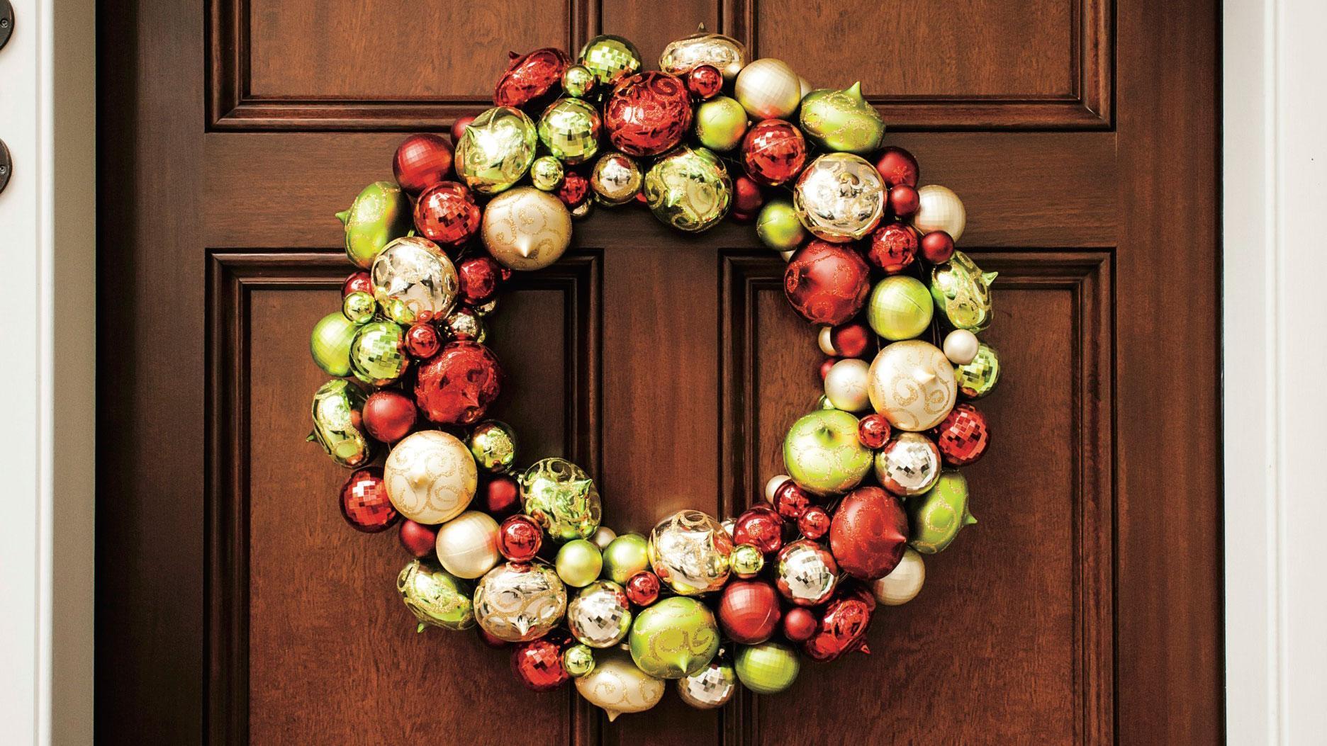 7 Beautiful Wreaths For The Season