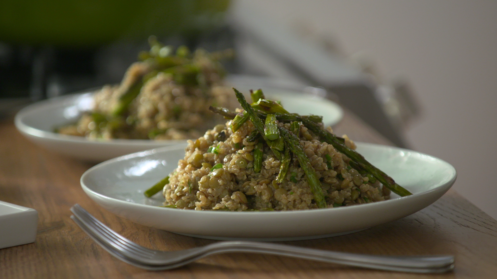 Wellness Wednesday: Spring quinoa mujadara with asparagus - AOL Food