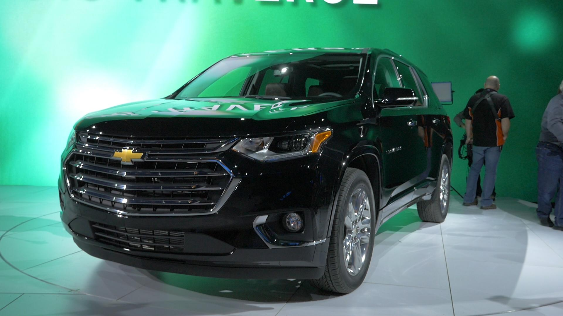 Spy photos of new Chevy midsize SUV, possibly called Blazer | Autoblog