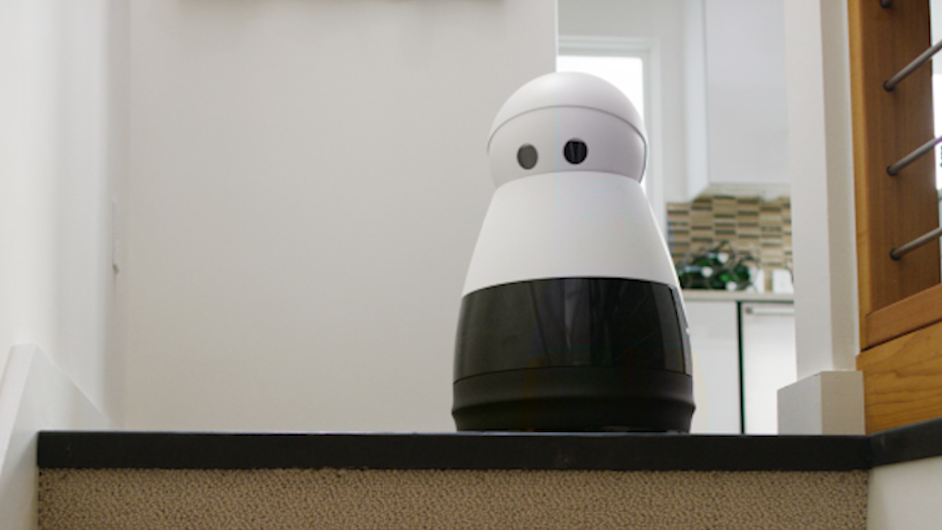 Mayfield Robotics' Kuri is an adorable home robot