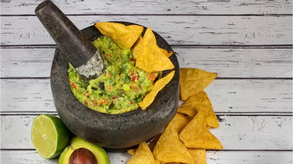 6 guacamole gadgets you need for Cinco De Mayo