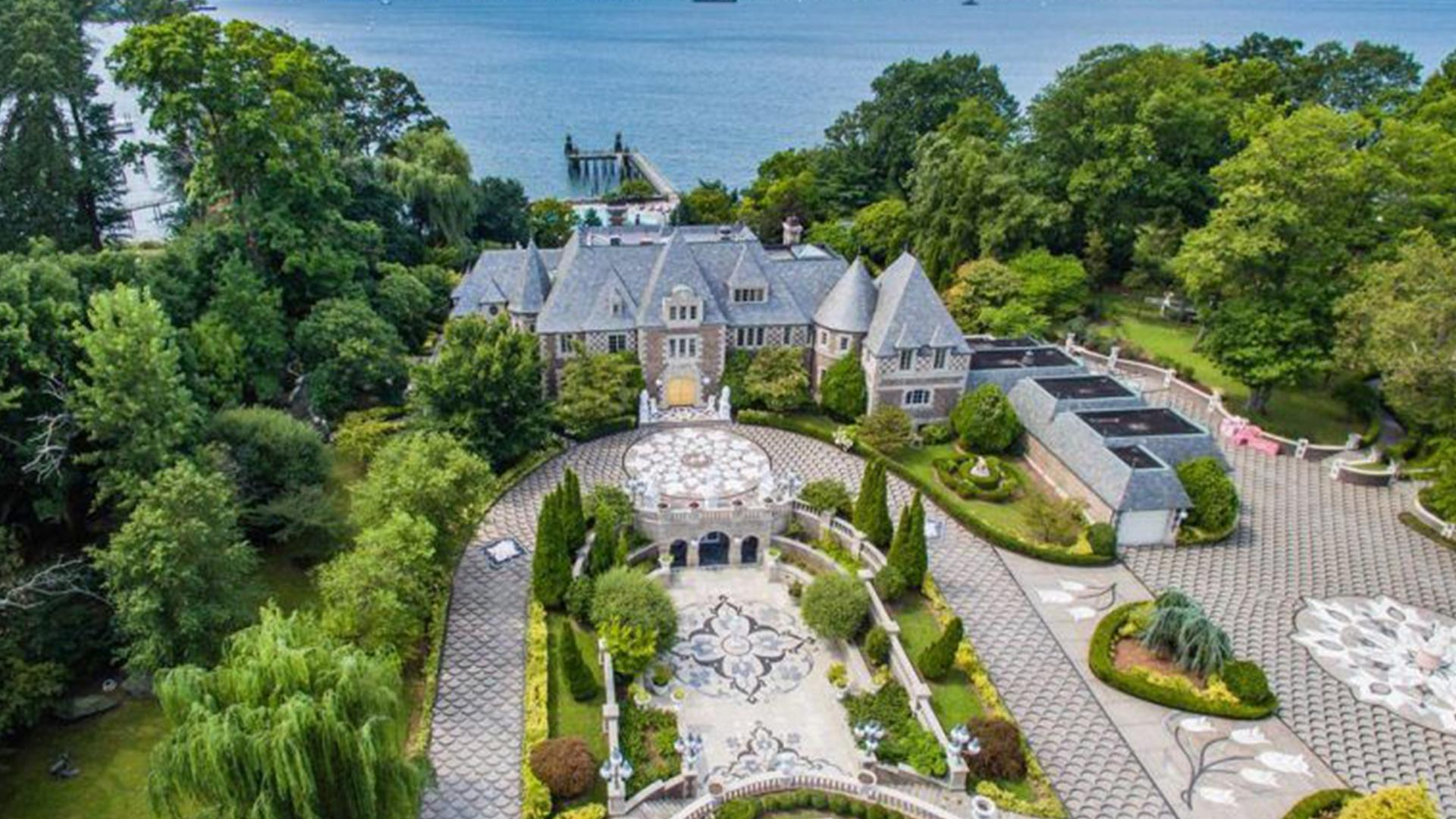 Mansion That Inspired Great Gatsby Film On Sale For 67
