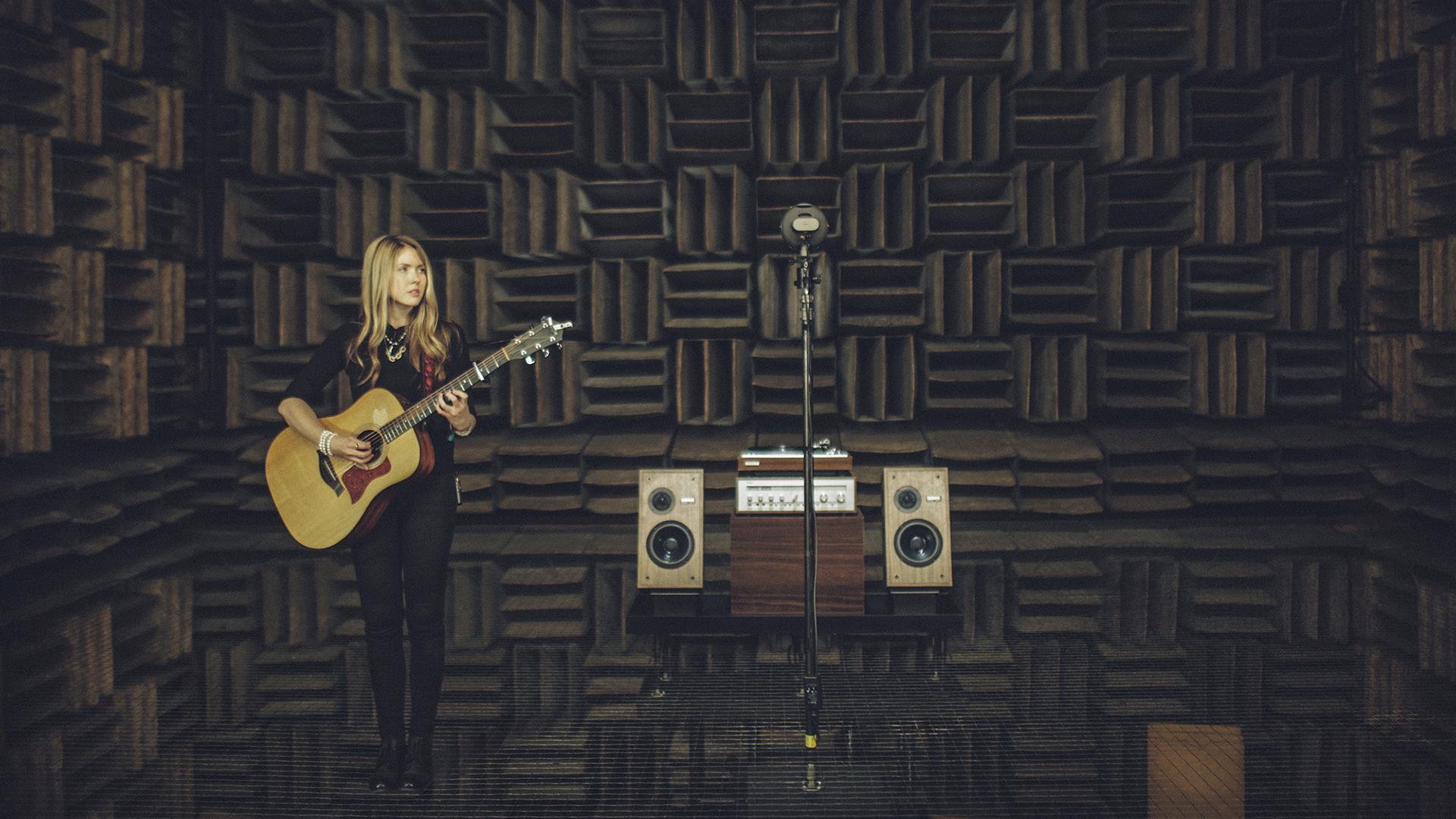 Musician Beatie Wolfe teams up with Bell Labs