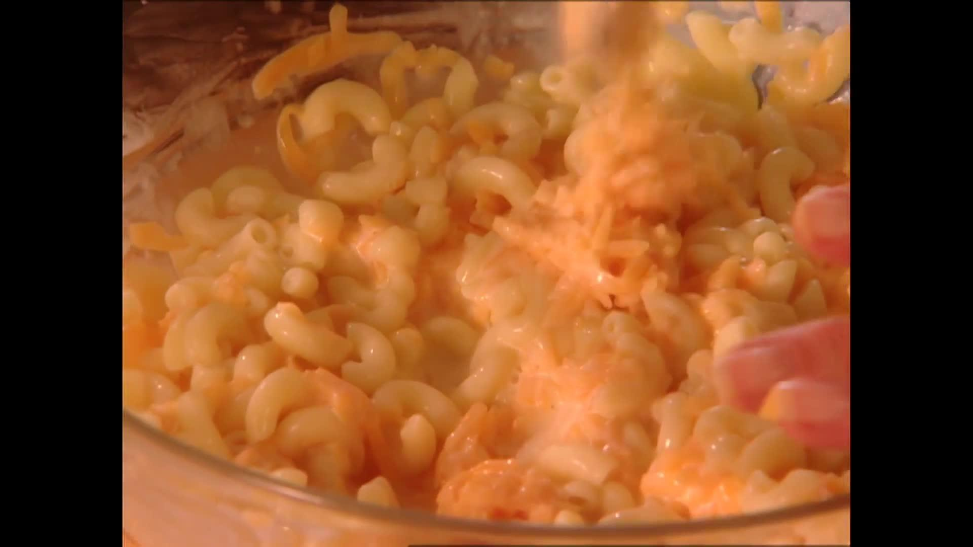 The Lady's Cheesy Mac thumbnail