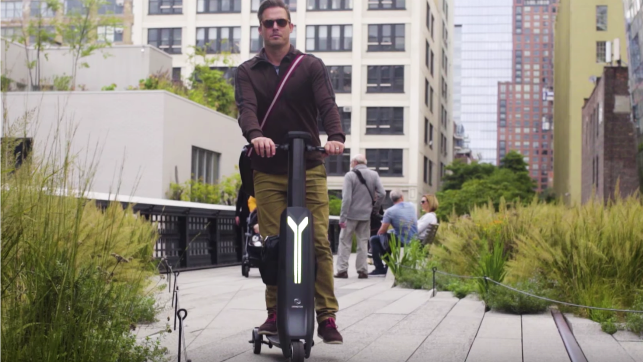 Immotor's high-tech scooter can also charge your laptop