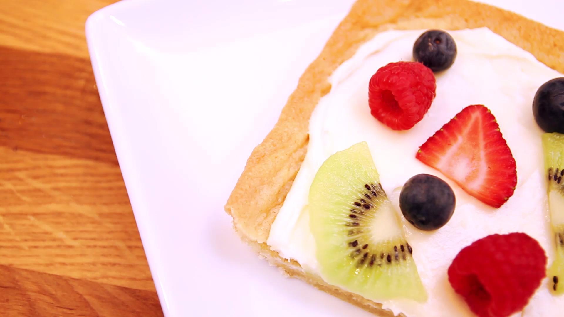 Fancy-Looking (But Easy) Fruit Pizza