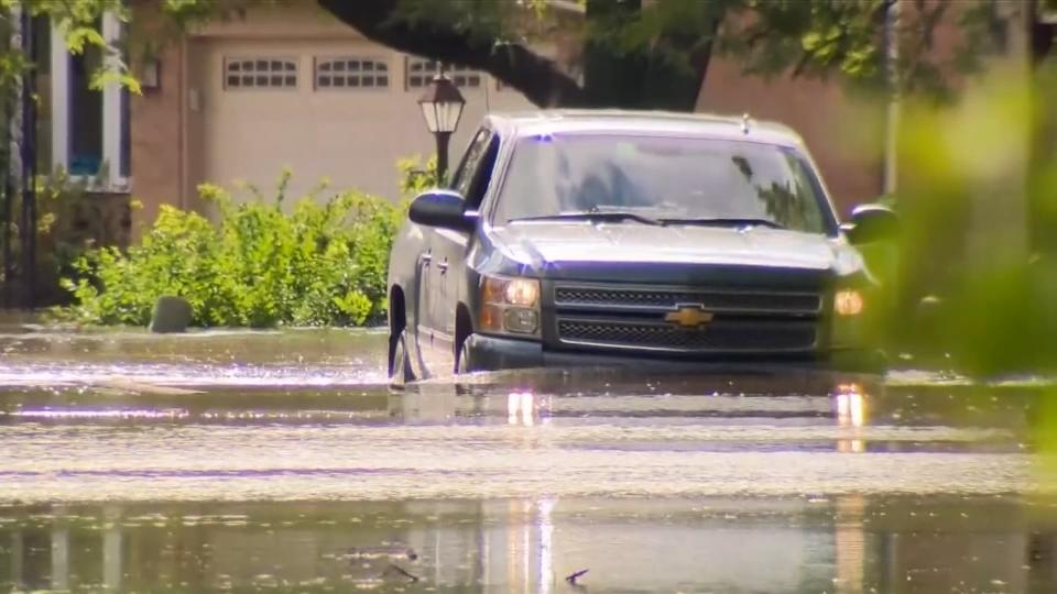Arizona flash flooding kills at least 4, with others missing