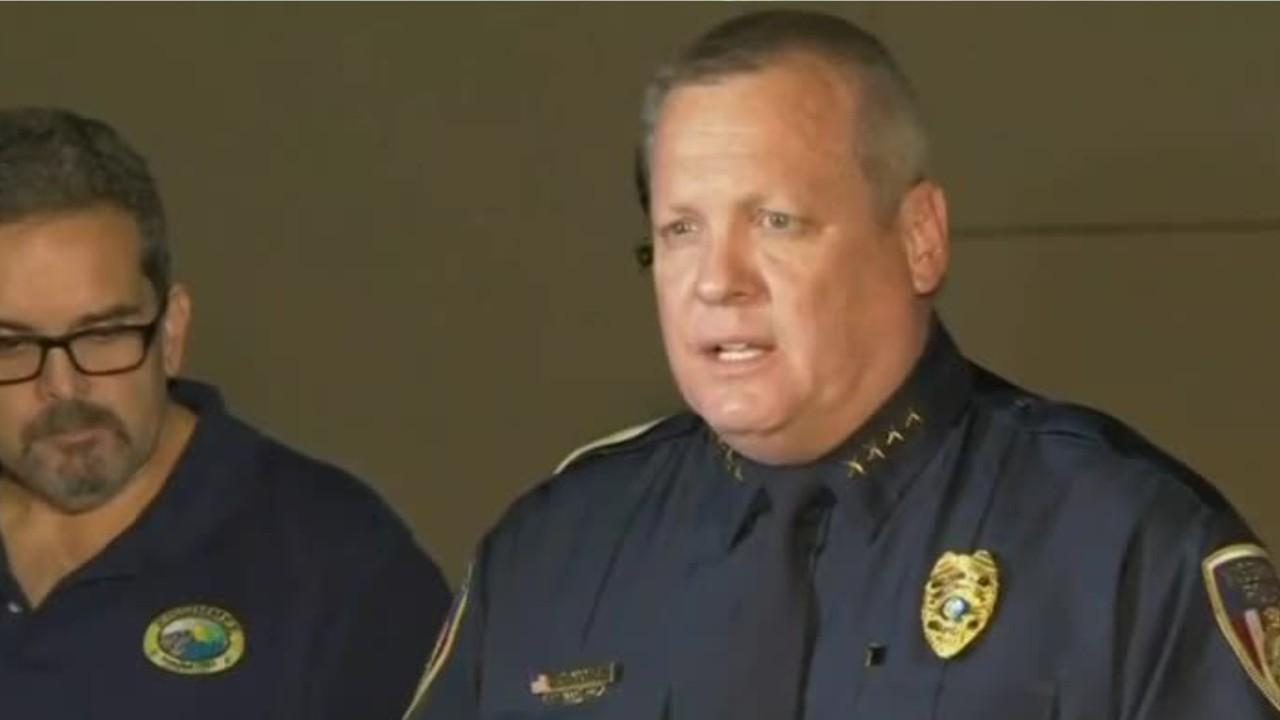 Florida officer dead, 5 others hurt in 3 unrelated shootings