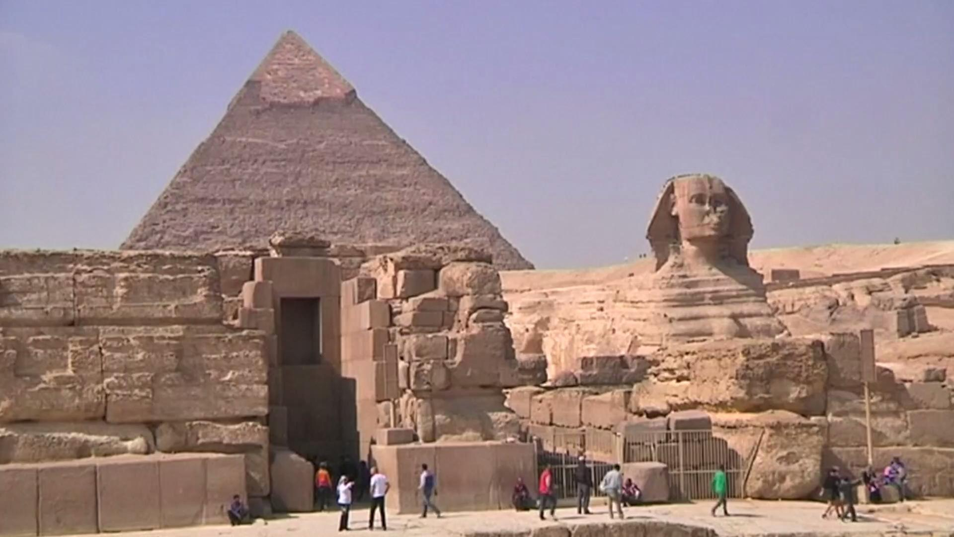 the great pyramid of giza is For thousands of years, no one could figure out how the massive blocks of stone  were brought from locations that were over 100 miles from the.