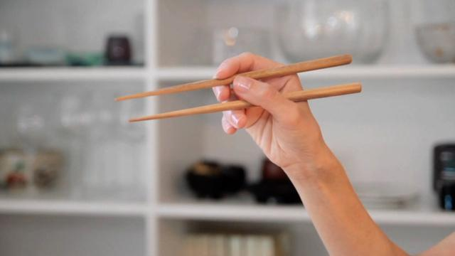 Learn How To Use Chopsticks