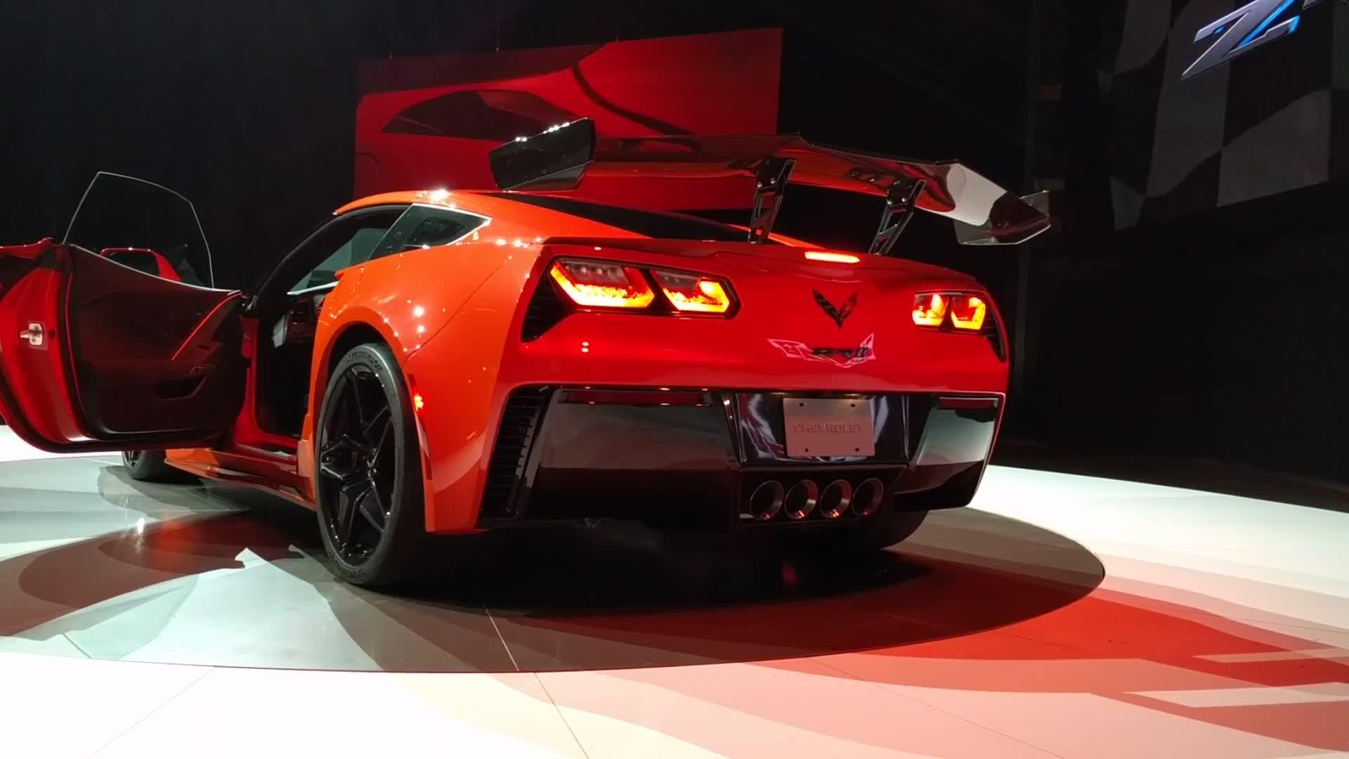 Chevy Corvette Zr1 Will Be The Indy 500 Pace Car Autoblog