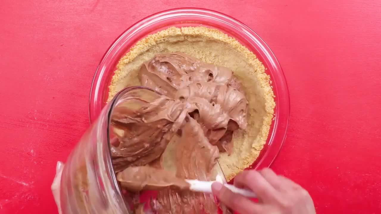 How to Make a Twix Pie