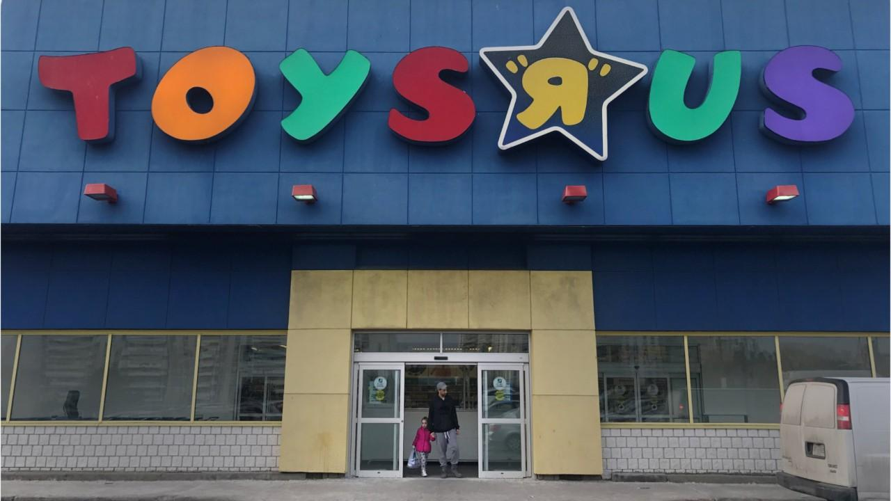 Toys r us hires temporary workers to keep store looking full amid toys r us hires temporary workers to keep store looking full amid bankruptcy video nasdaq buycottarizona Images