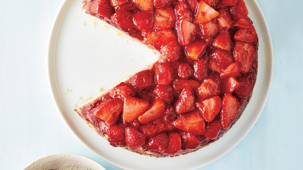 How to Make Strawberry Upside-Down Cake