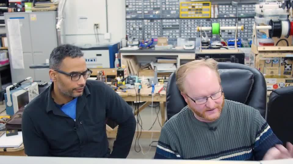 Ben Heck designs a Raspberry Pi console without HDMI