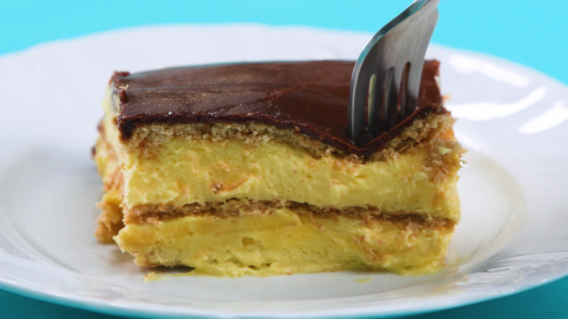 How to Make No Bake Chocolate Eclair Cake