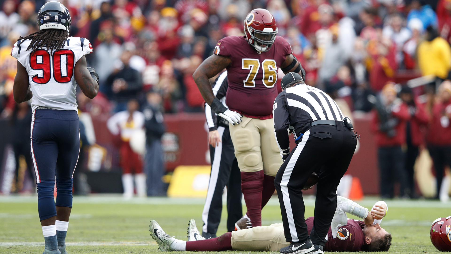 Quarterback Alex Smith's Grotesquely Broken Leg Will Make You Wince Forever