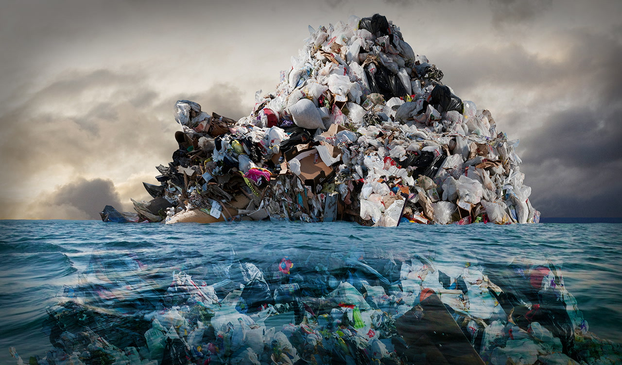 What It's Like To Swim Through The Most Polluted Part Of The Ocean