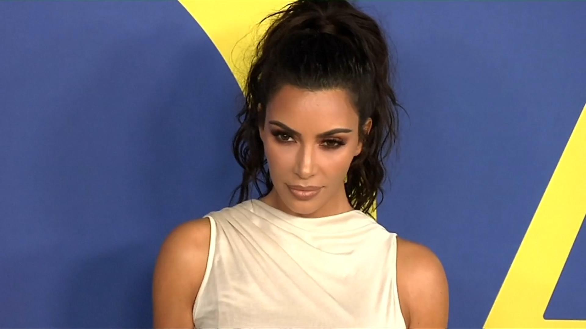 J.Lo gushes over Kourtney Kardashian's topless photo