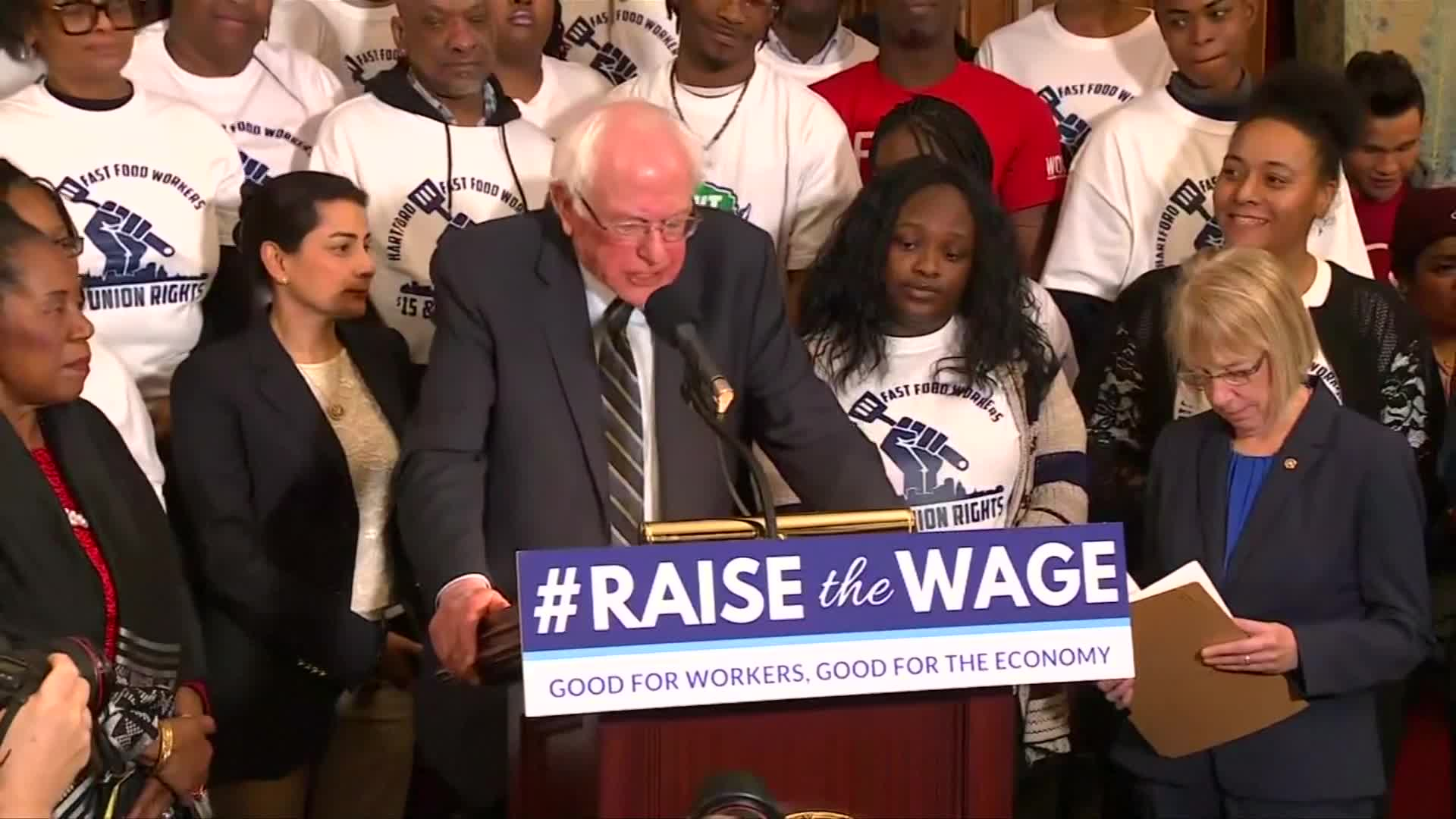 House Democrats Propose $15 Minimum Wage With New Majority