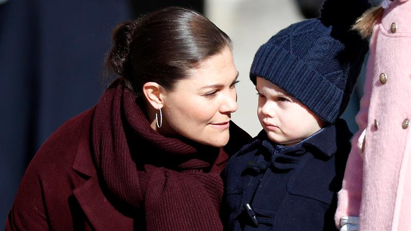 Sweden's Prince Oscar Is Adorably Grumpy In Photos From Princess Victoria's Name Day
