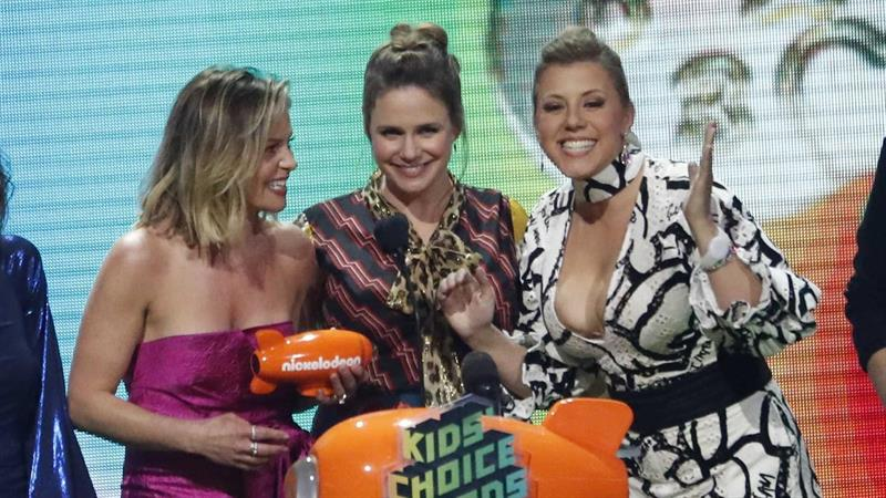 'Fuller House' Cast Says Family Sticks Together Amid Lori Loughlin Mess