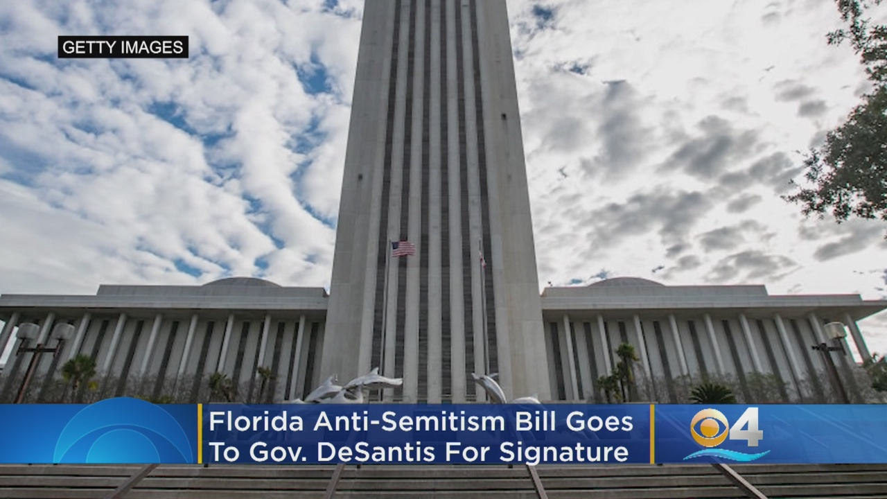 Florida Passes Bill Banning Anti-Semitism In Public Schools After Synagogue Shooting