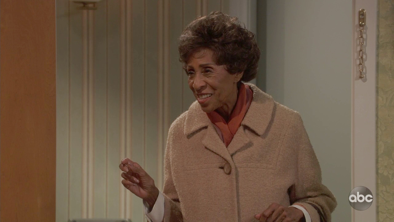 Read Jamie Foxx's Touching Post On 'Jeffersons' Star Marla Gibbs After Live Remake