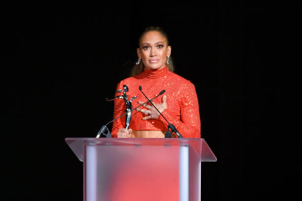 Jennifer Lopez tributes the Bronx for her 2019 CFDA Style Icon Award