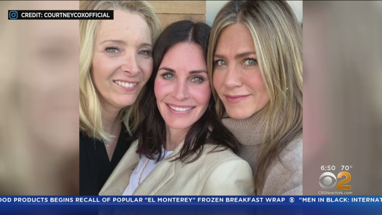 'Friends' Stars Post Hilariously Different Versions Of 'Girls Night' Out Together