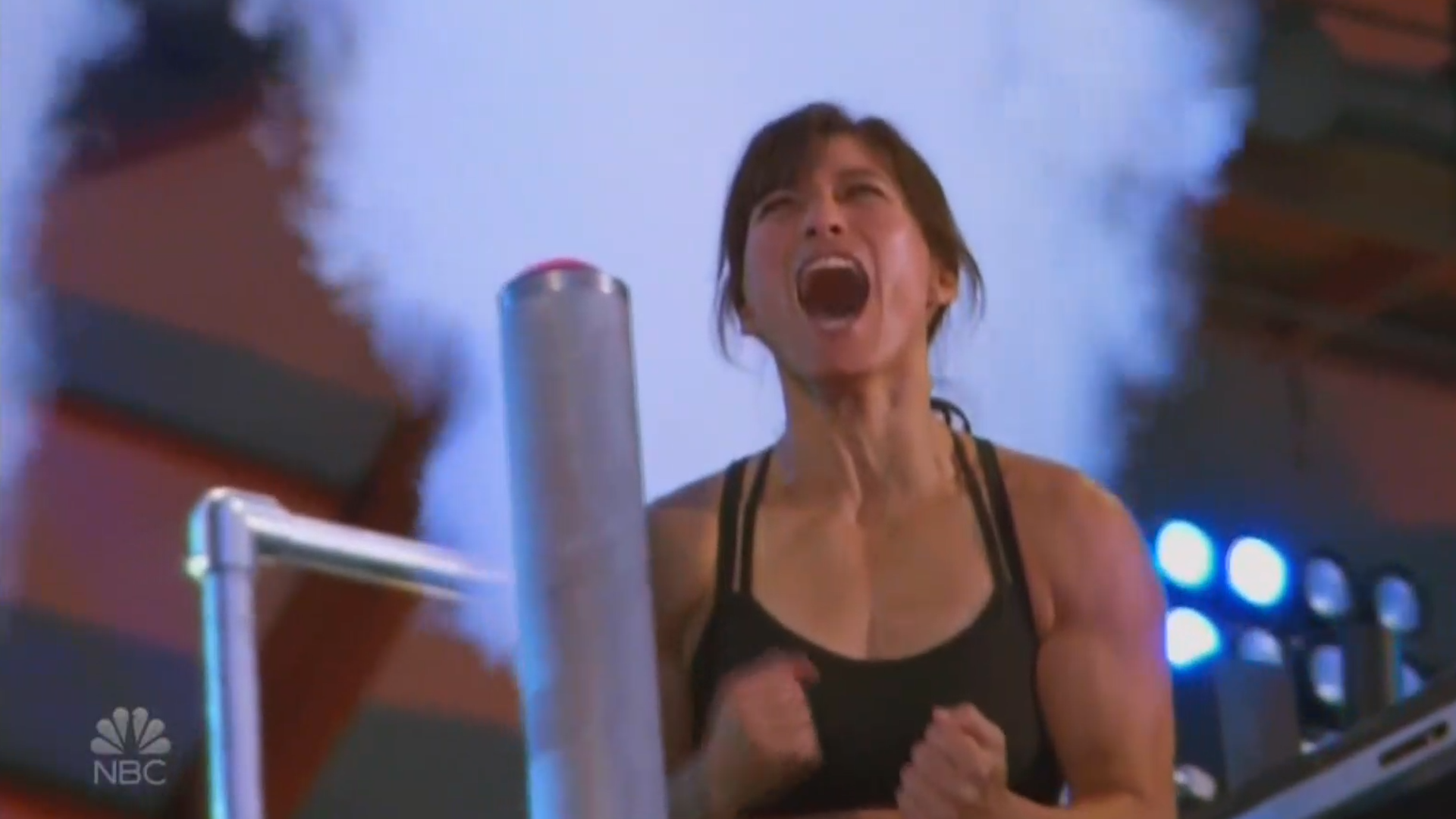 Phys Ed Teacher Becomes First Mother To Complete 'American Ninja Warrior' Course