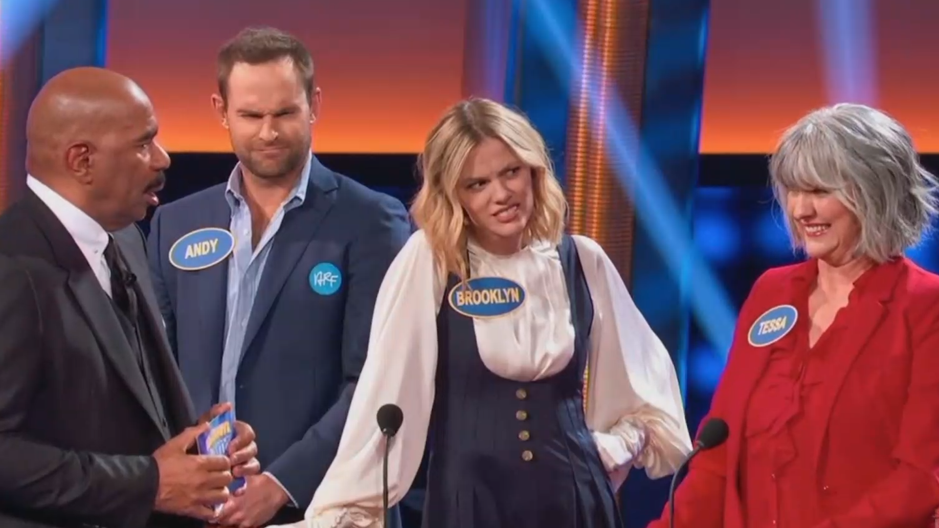 Brooklyn Decker and her mom make it awkward for Andy Roddick on 'Family Feud'