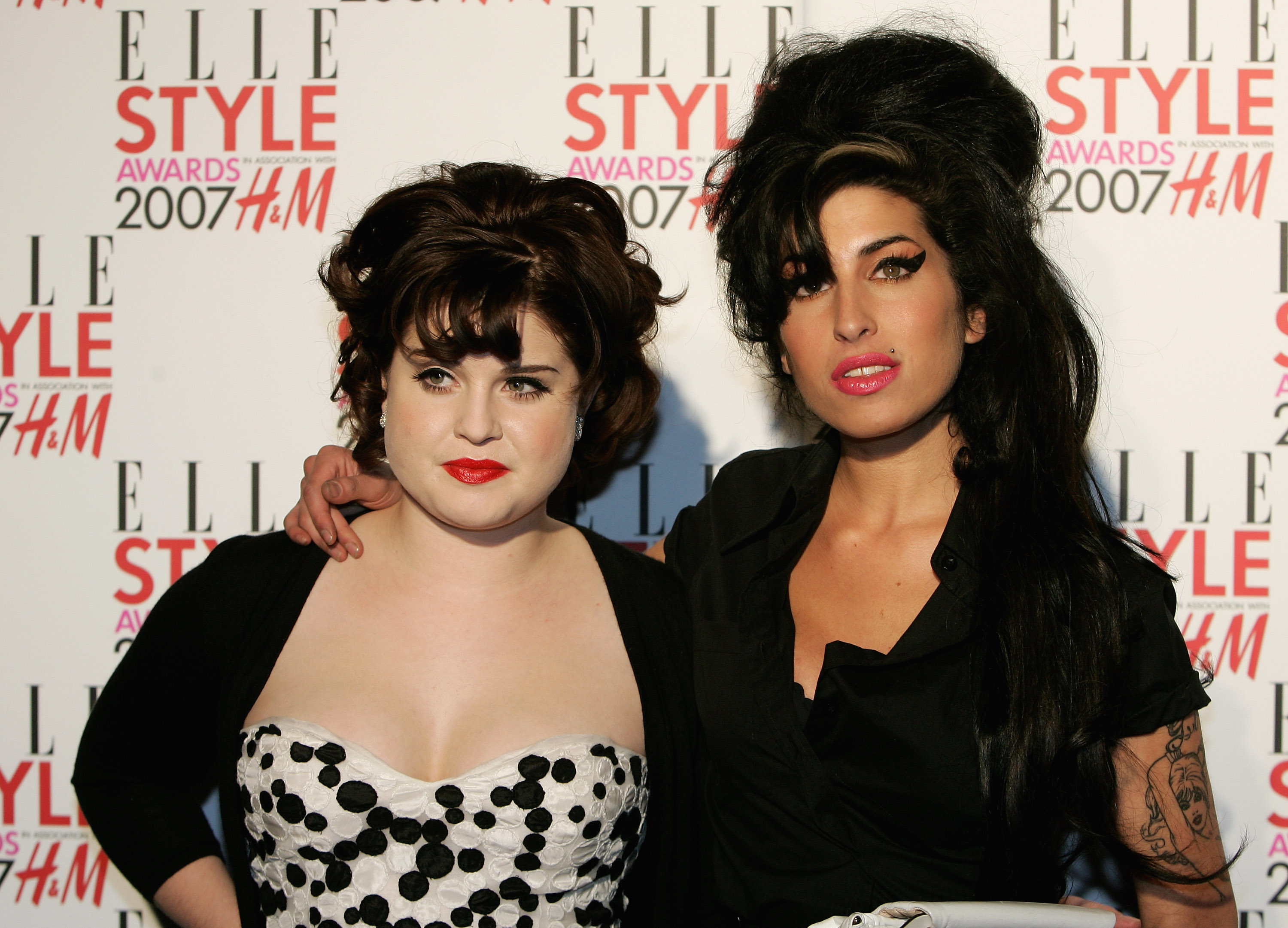 Kelly Osbourne marks 2 years of sobriety as mom Sharon sends her a cake
