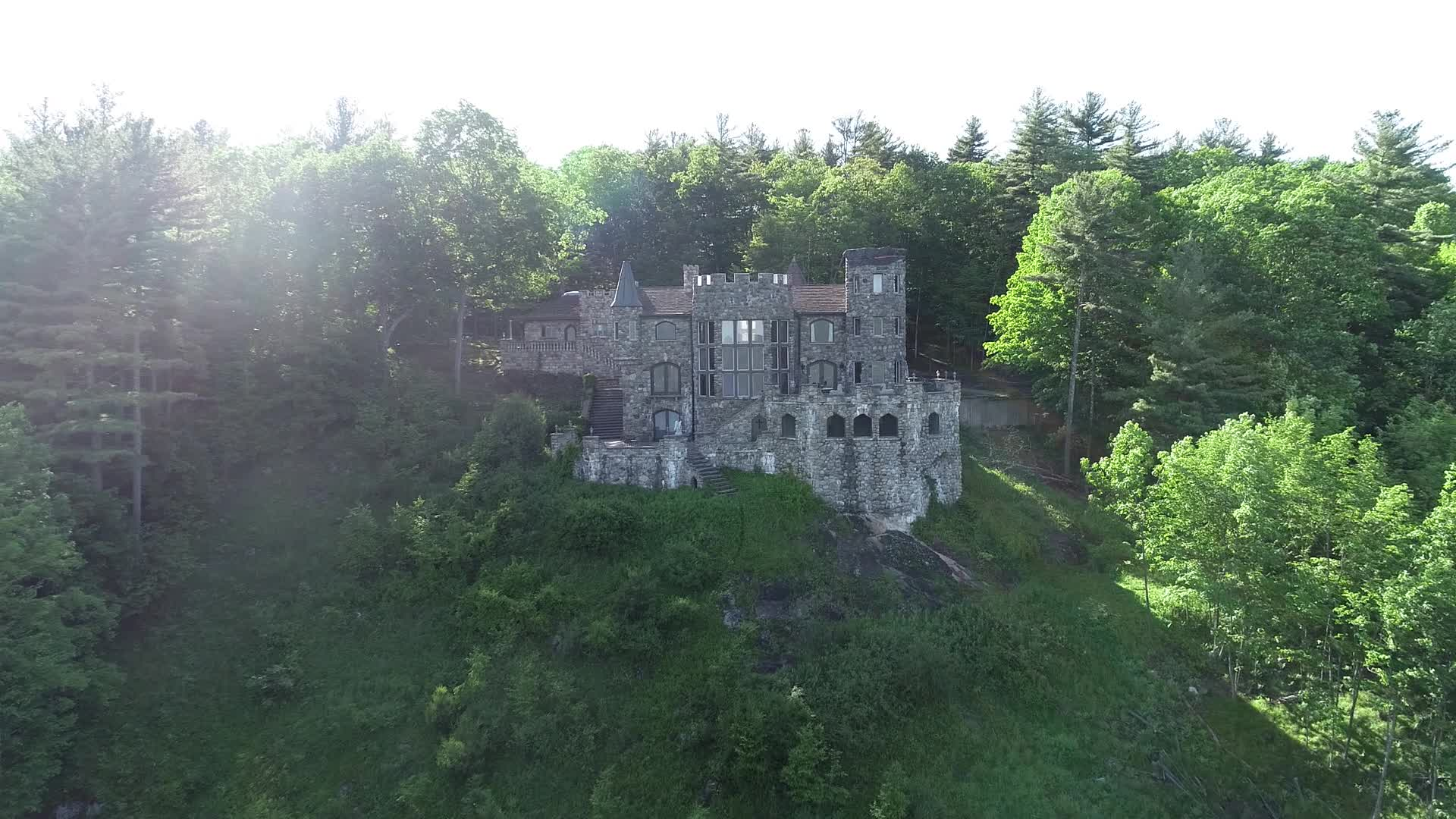 Dream Vacation Homes: You can rent this medieval castle on a lake in Upstate New York