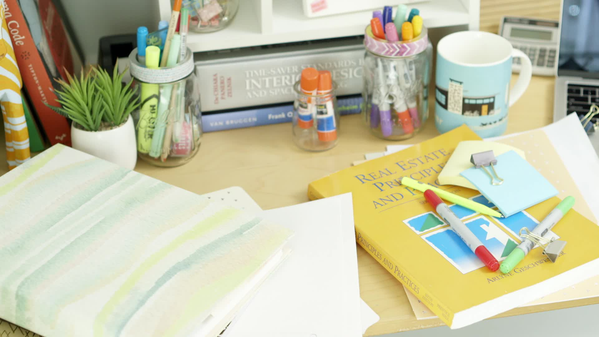 Home Hacks: Learn to organize your dorm room with these tricks