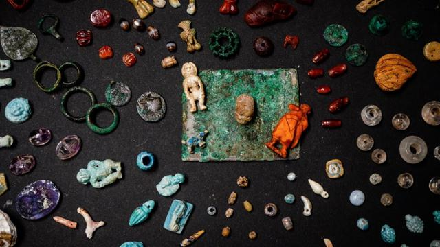 Archeologists Unearth 'Sorcerer's Treasure Trove' In Pompeii Dig