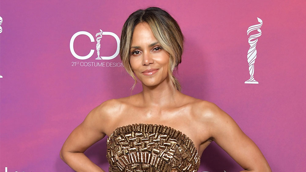 Halle Berry goes braless in wet white t-shirt: 'No Bra Club'