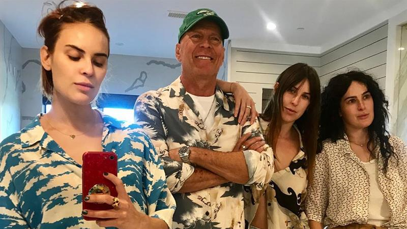 Bruce Willis poses for rare mirror selfie with daughters Tallulah, Rumer and Scout
