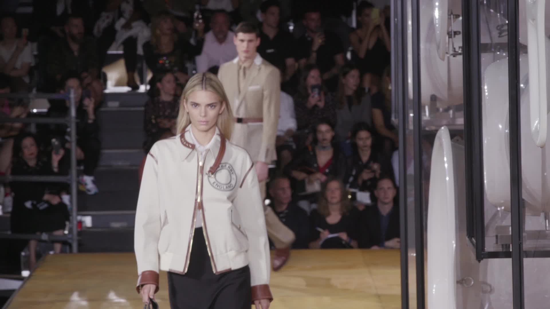 Kendall Jenner Shows Off Blond Hair At London Fashion Week