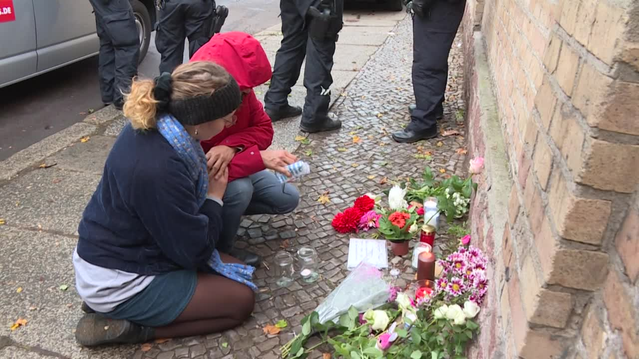 German Protests Against Anti-Semitism After Synagogue Attack Draw Thousands