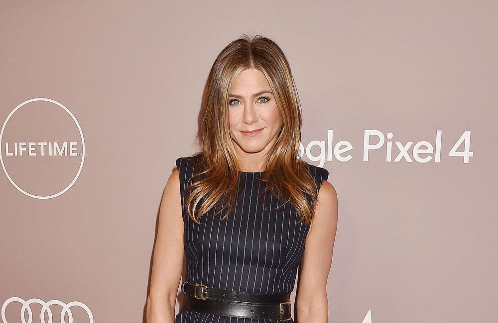 Jennifer Aniston Disses Marvel Movies. Twitter Says She's Super Villain.