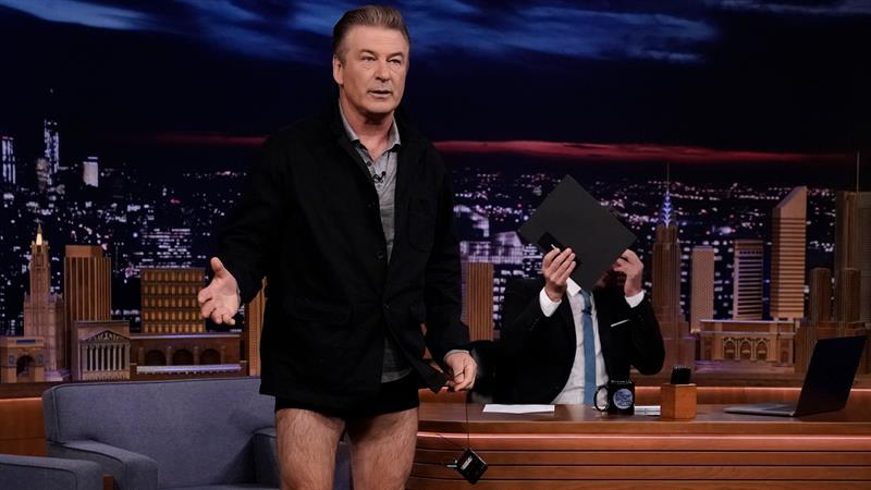 Alec Baldwin Drops His Pants To Show Weight Loss On 'The Tonight Show'