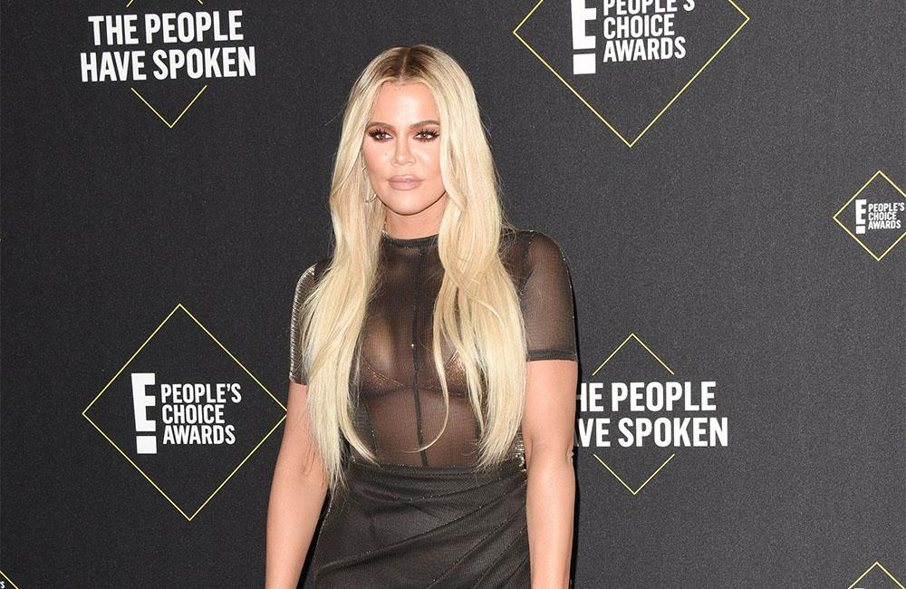 Khloe Kardashian Apologizes To Fans After Awkward Awards Show Moment