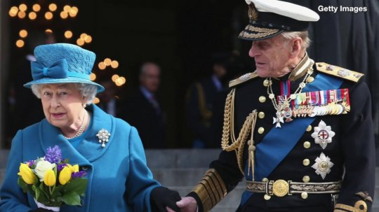 Royal family honors Queen Elizabeth and Prince Philip as they spend 72nd anniversary 110 miles apart