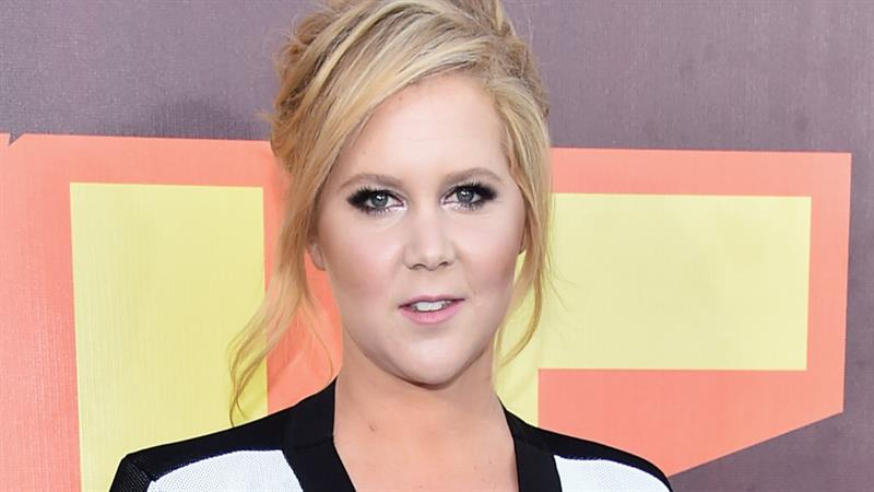 Amy Schumer Gets Lawyer To Send Hilarious Cease-And-Desist Letter To Her Trainer