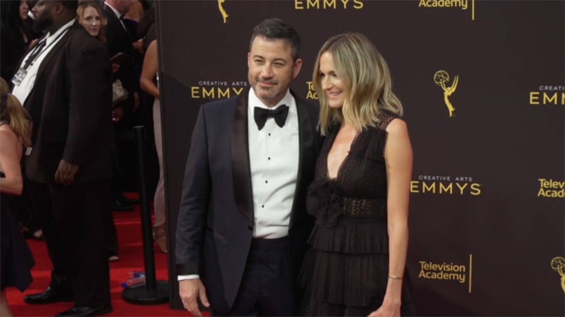 Sean Hannity Dares Jimmy Kimmel To Renew Feud In Bizarre 'I Will Unload' Rant