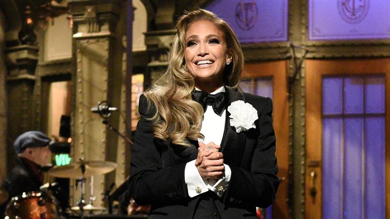 Jennifer Lopez strips down to iconic Versace dress during 'SNL' opening monologue