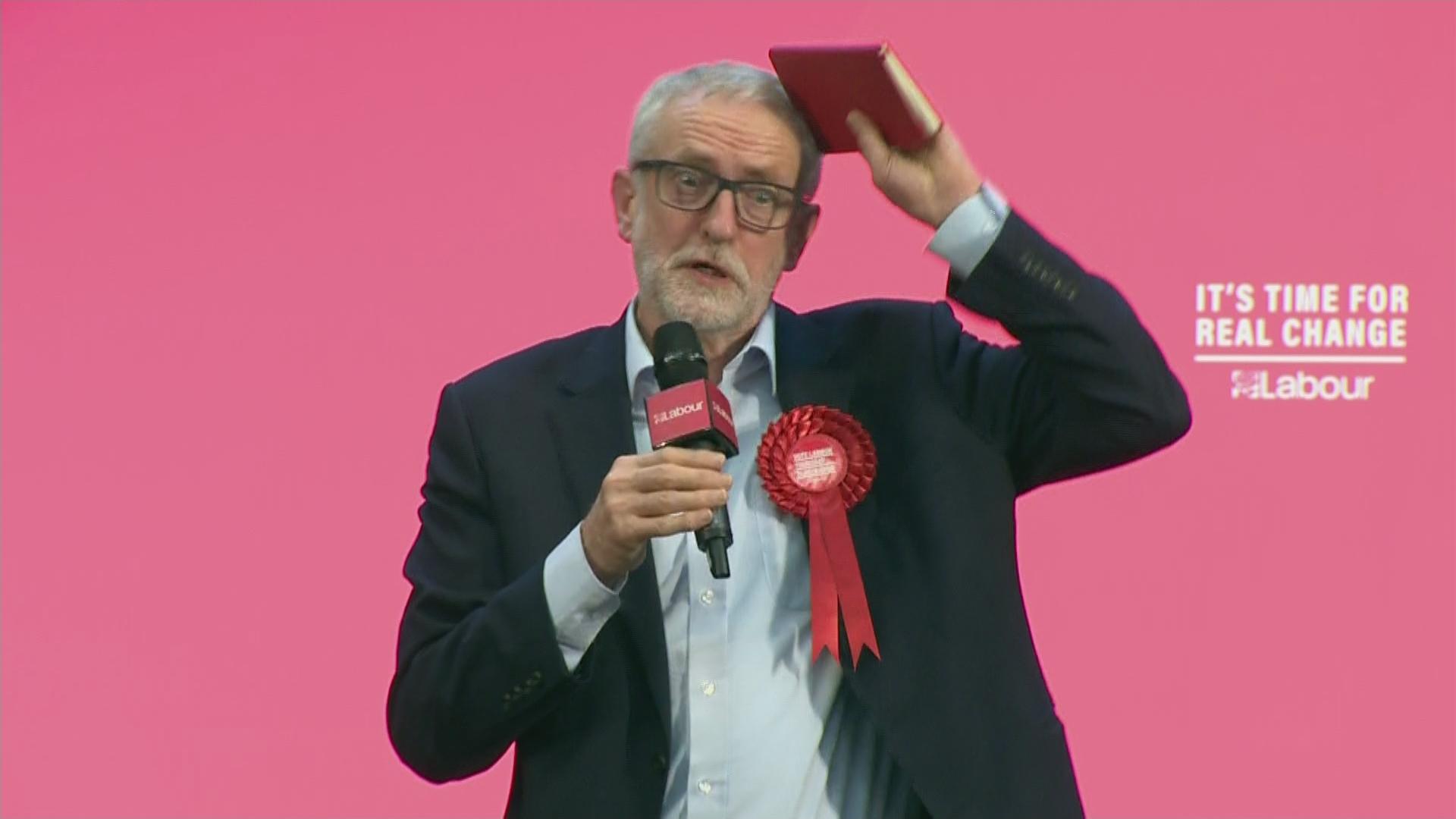 Rocking Around The Jezmas Tree As Santa Corbyn Tells Final Rallies Change Is Coming